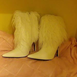 Trending fluffy white boots